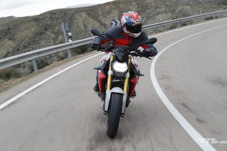 Limitaciones de movilidad en moto, toque de queda y otras restricciones por el estado de alarma en España para 2021