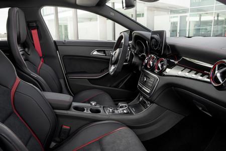 Mercedes Amg Cla 45 Interior