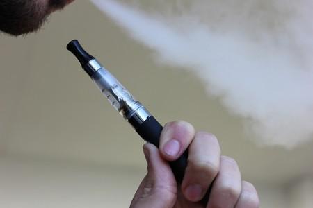 Colombia busca regular el uso y la venta de cigarrillos electrónicos
