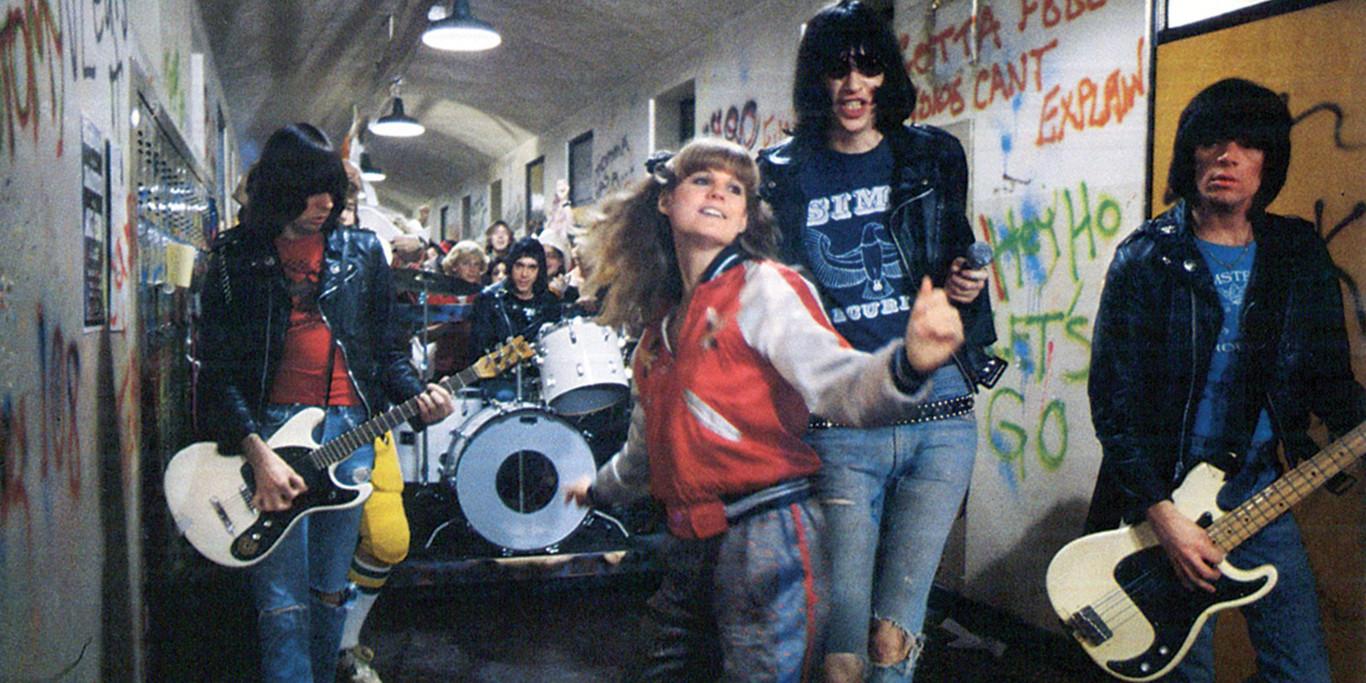 Rock 'n' Roll High School (1979) crítica: Los Ramones en el cine ...