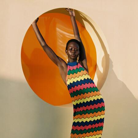 Uterqüe tiene la versión lujosa más bonita de estas siete prendas de Zara