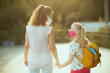 Vuelta al cole 2021-2022: las familias gastarán unos 2.000 euros de media anual por niño, según la OCU