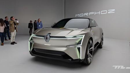 El Renault Morphoz es un coche eléctrico cuya carrocería se estira para llegar hasta los 700 km de autonomía