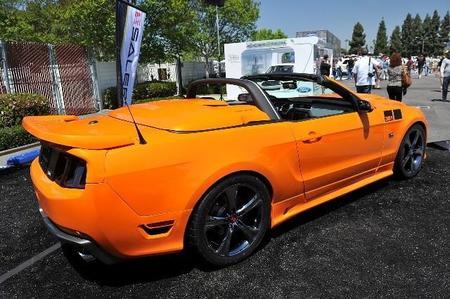 Vista posterior del Mustang Saleen 351 Supercargado