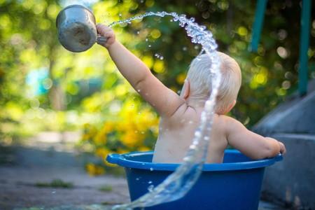 El primer verano de tu bebé: haz que sea inolvidable, salgáis de vacaciones o no