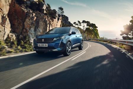 Nuevo Peugeot 5008: el SUV de siete plazas se pone al día con la misma parrilla infinita del 3008 y más ayudas a la conducción