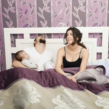 ¿Quién duerme menos cuando llega un bebé a la familia, papá o mamá?