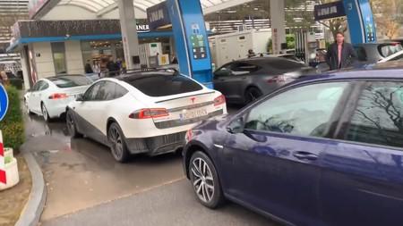 Tesla Gasolinera 3