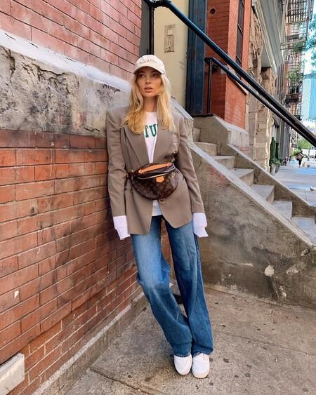 Si tienes unos vaqueros anchos y un blazer (o un abrigo masculino) en el armario puedes lograr un outfit perfecto