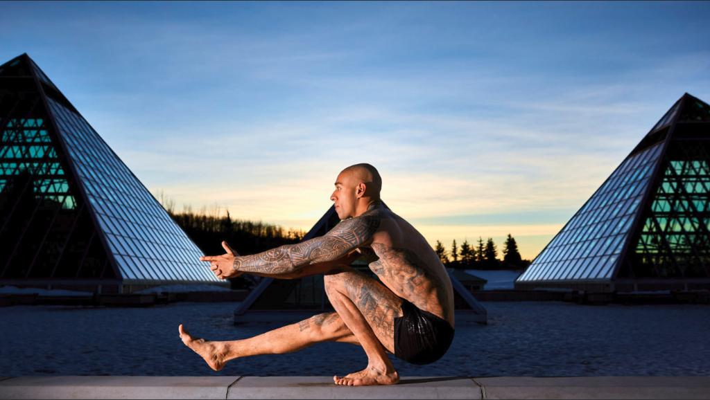 Calistenia en el gimnasio: siete ejercicios para trabajar todo tu cuerpo sin máquinas ni pesas