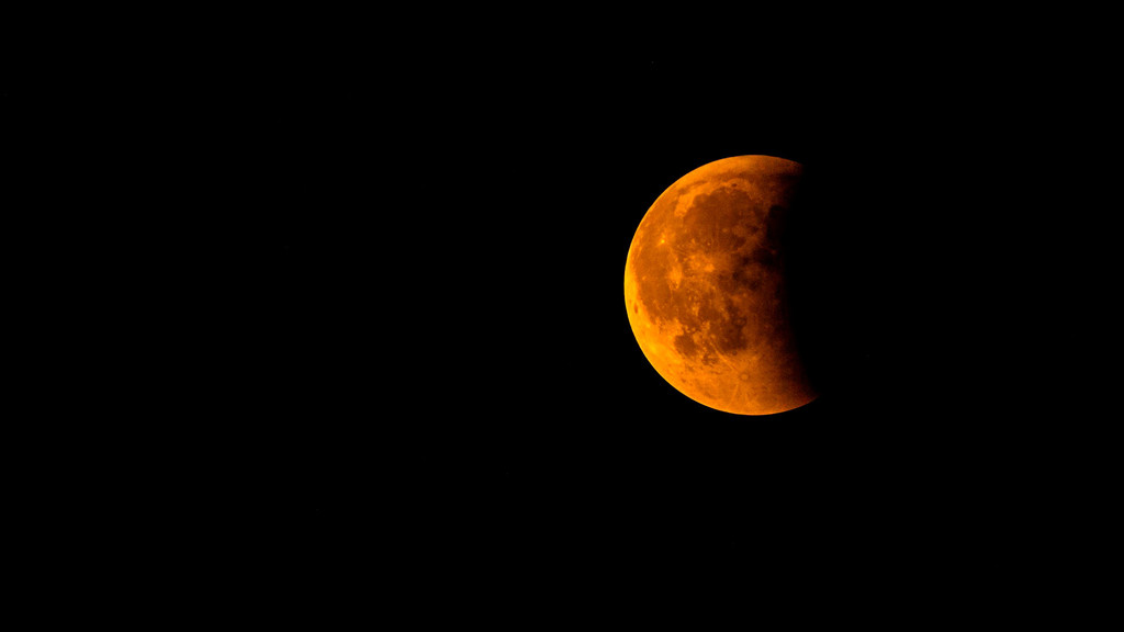 El próximo lunes habrá un eclipse total de Luna: éstos son los horarios y las ubicaciones para poder observarlo