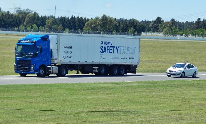 Foto de Samsung Safety Truck (3/6)