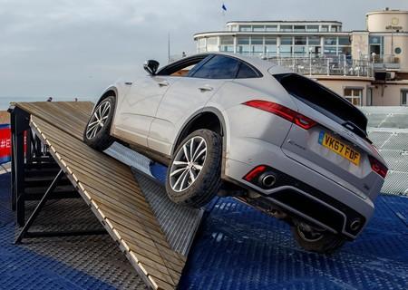Jaguar E Pace 2018 1600 34