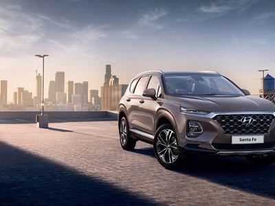 El Hyundai Santa Fe 2019 se asoma: primeras fotos oficiales desveladas