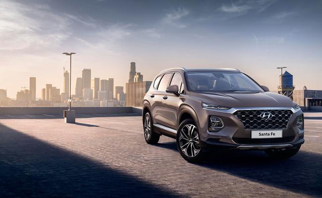 El Hyundai Santa Fe 2018 se asoma: primeras fotos oficiales desveladas