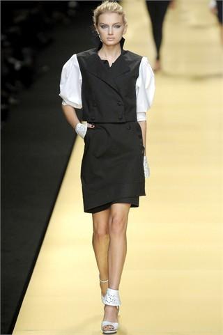 Foto de Karl Lagerfeld en la Semana de la Moda de París Primavera-Verano 2009 (9/32)