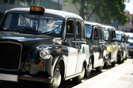 Los taxis de Londres aceptarán pagos por medios electrónicos a partir del próximo año