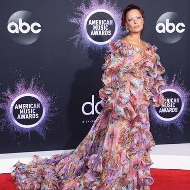 Los peores vestidos de los Premios AMA's 2019: los looks que menos nos han gustado de la alfombra roja musical