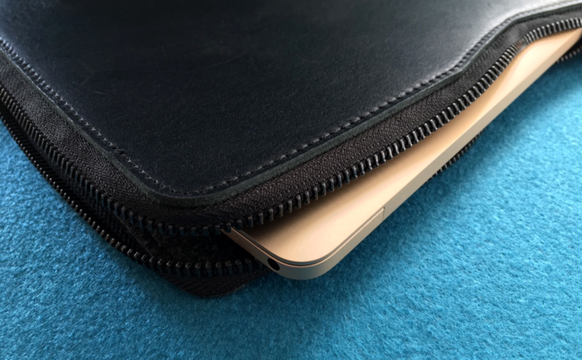 Carry-On Folio Sleeve 3