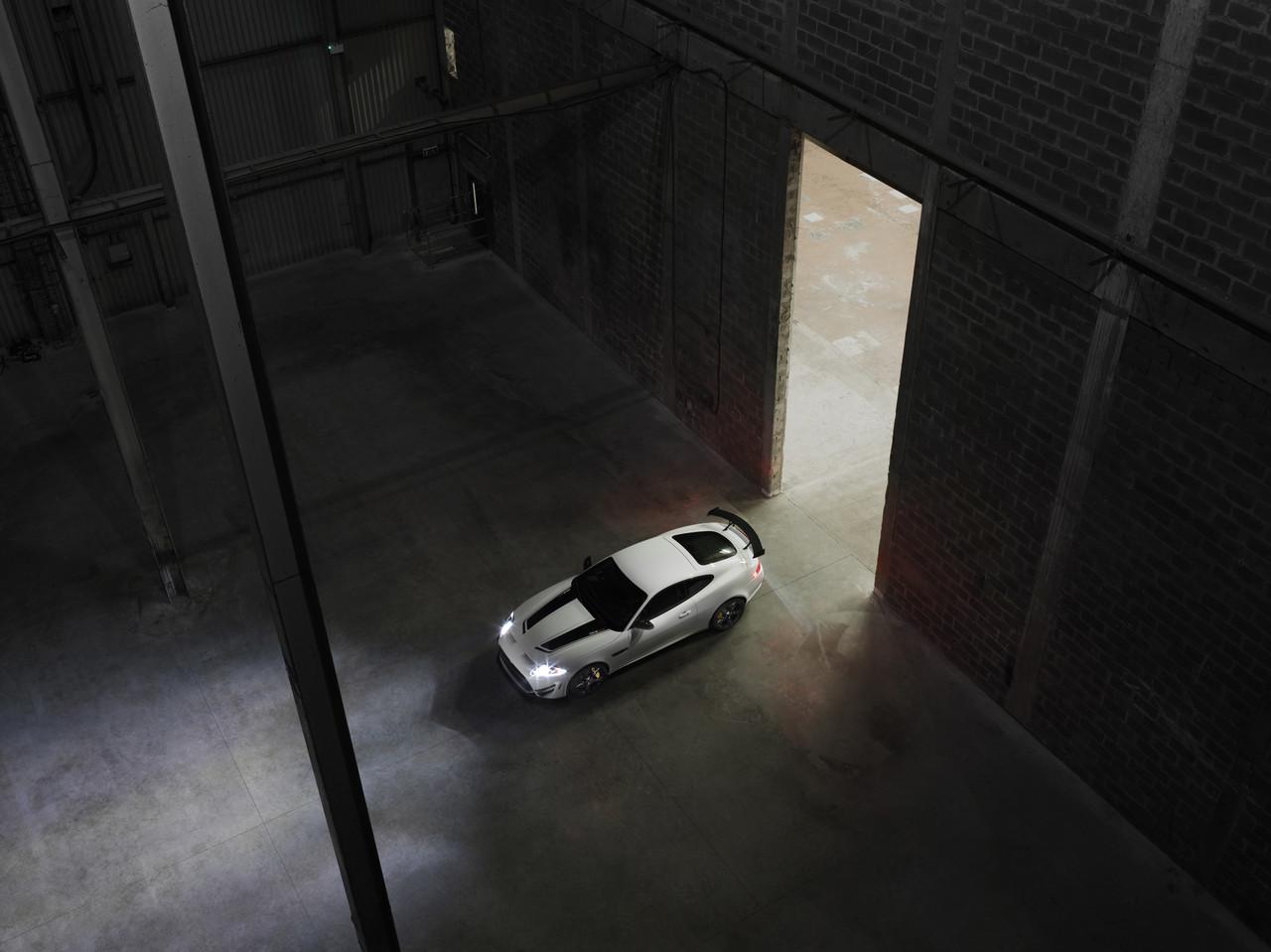 Foto de Jaguar XKR-S GT (6/20)