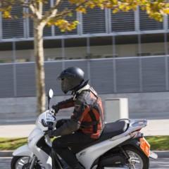 Foto 18 de 19 de la galería honda-scoopy-sh125i-2013-prueba-valoracion-galeria-y-ficha-tecnica-fotos-accion en Motorpasion Moto