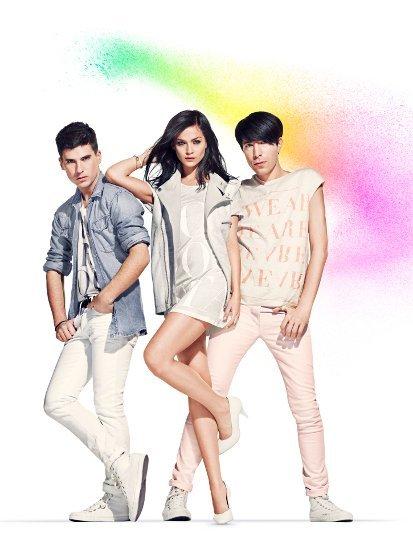 Así es la colección unisex de H&M Fashion Against AIDS 2011
