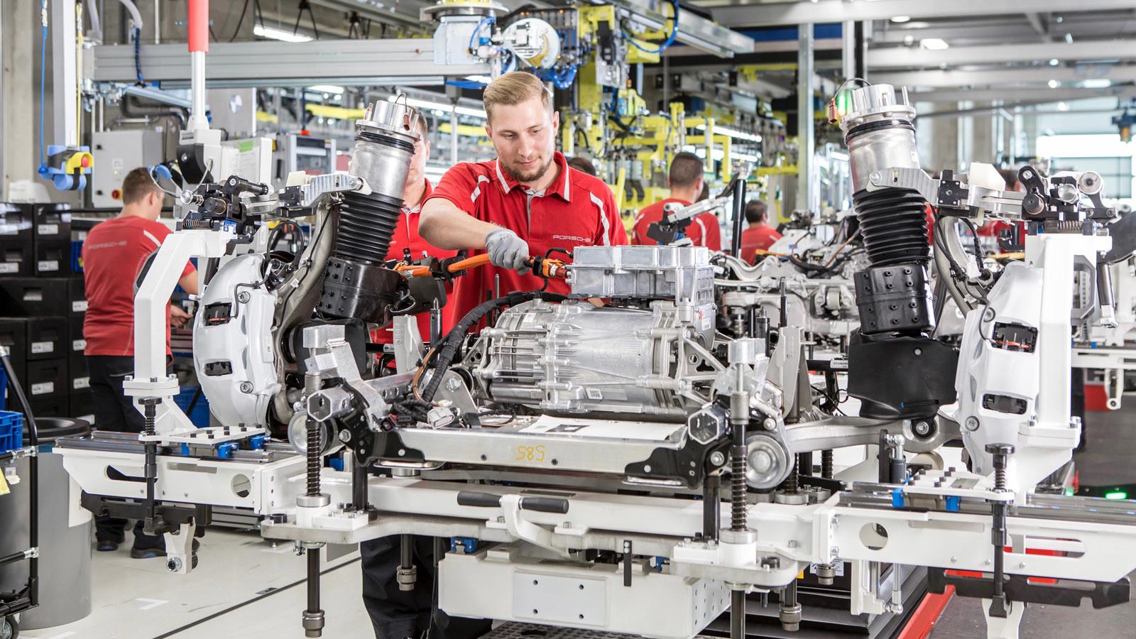 Foto de Fábrica Porsche Taycan (inauguración) (33/44)