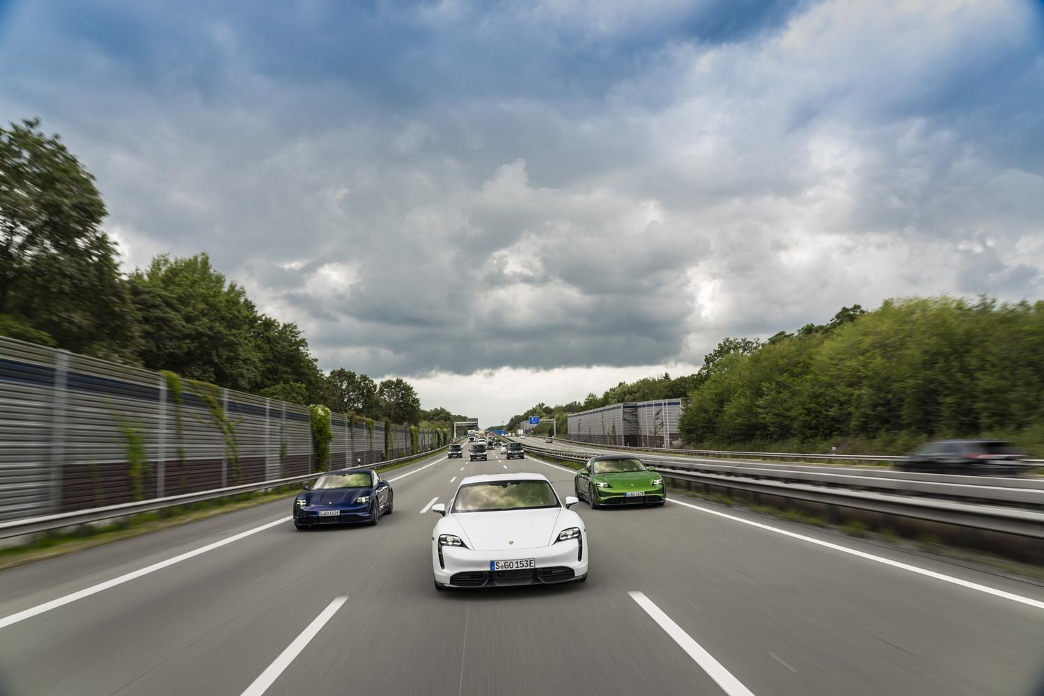 Foto de Porsche Taycan prueba contacto (116/275)