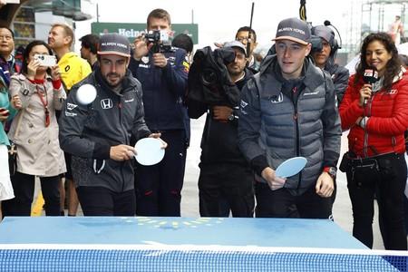 """Zak Brown advierte: """"Vandoorne y Alonso no han competido siempre en igualdad de condiciones"""""""