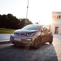 El BMW i3 se renueva: ahora goza de una batería de 42,2 kWh y una autonomía de hasta 310 kilómetros