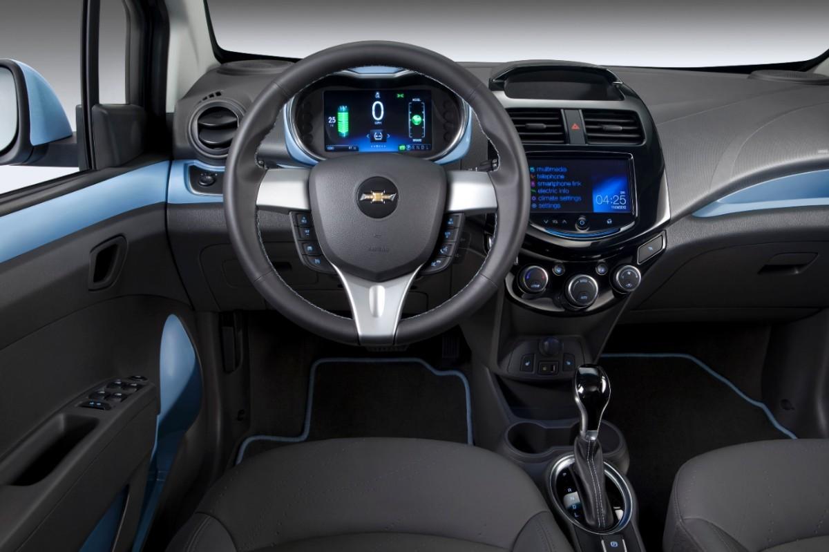 Foto de Chevrolet Spark EV (8/20)