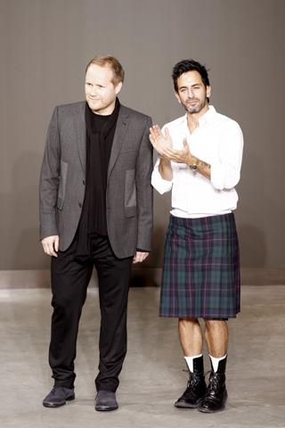El look de Marc Jacobs en su desfile para Louis Vuitton Otoño-Invierno 2010/2011