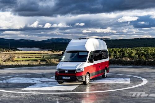Probamos la Volkswagen Grand California: una furgoneta camper enorme y confortable de casi 80.000 euros con puntos mejorables