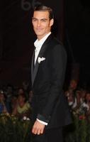 Jon Kortajarena espectacular en el Festival de Venecia
