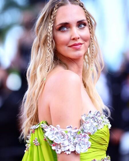 Chiara Ferragni desfila por la alfombra roja del Festival de Cannes con un peinado con trenzas que es máxima tendencia