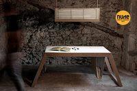 El nebot del persianer, lámparas y muebles a partir de persianas recicladas