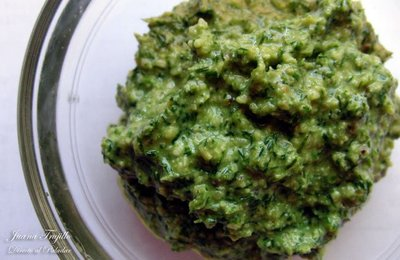 Cómo hacer salsa verde de eneldo