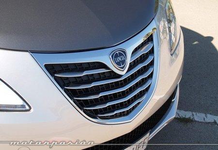 Lancia-Ypsilon-2011-14