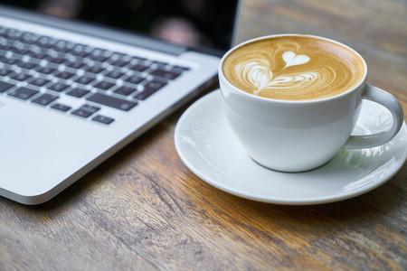 Las cafeterías se reinventan para fidelizar clientes que quieran trabajar en ellas