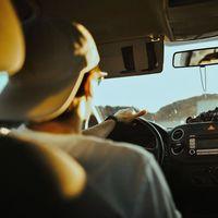 ¡Alerta, bulo! La DGT no va a permitir usar detectores de radares en los coches