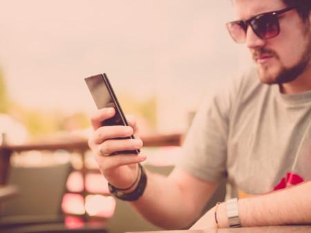 Padre y smartphone