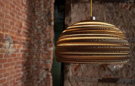 Lámparas de cartón de Yarussi Alvarado
