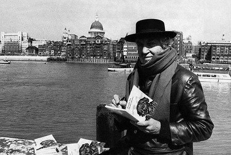 Ya están a la venta los 'Cuentos completos' de Robert Graves