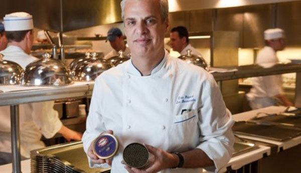 Eric Ripert de Le Bernardin lanza su propia línea de caviar