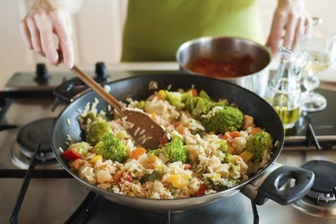 ¿Qué cambios se producen en los alimentos tras su cocción?