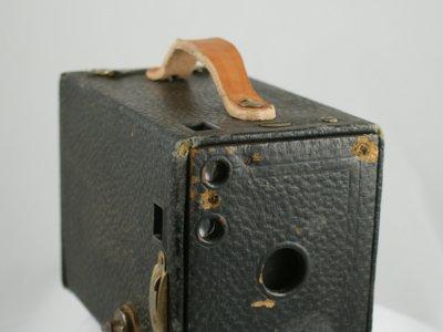 Así eran las fotos en formato circular de las Kodak Box de finales del XIX