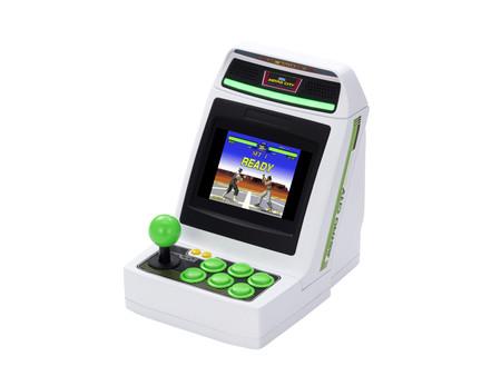 Sega le hace competencia al Neo Geo Mini: Astro City el arcade portátil con 36 juegos, HDMI y compatibilidad con mandos externos