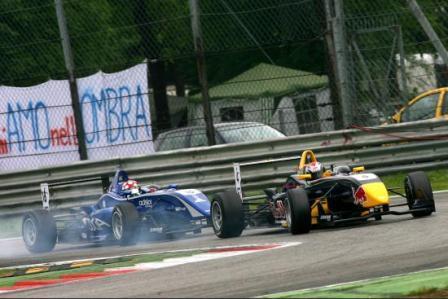 Jaime Alguersuari pierde el podium en las últimas vueltas