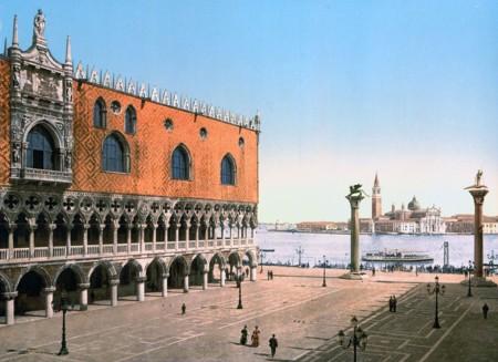 Otra Perspectiva De La Piazzetta Y Del Palacio De Los Duques