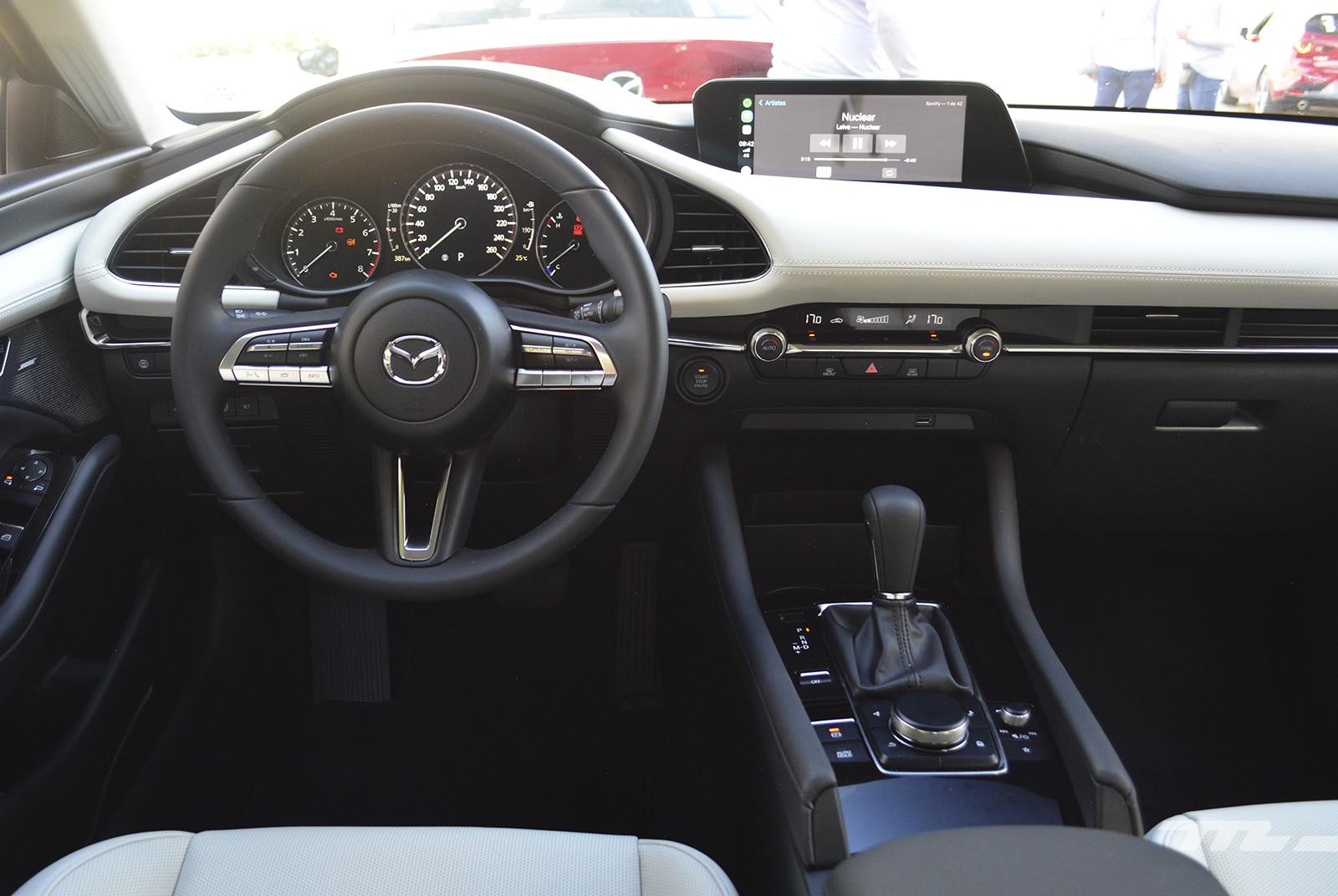 Foto de Mazda 3 vs. SEAT León (comparativa) (16/28)